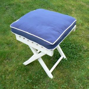 Stuhlkissen Sitzkissen marine blau mit weißen Kedern