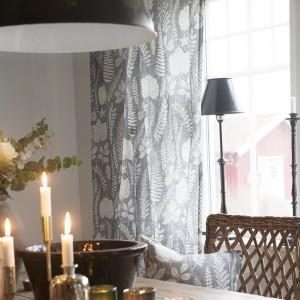 Gardinenschal / Vorhangschal  2er-Set Blätter grau weiß Baumwolle im Esszimmer