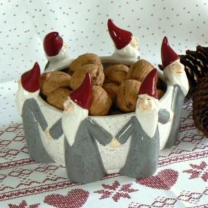 Schwedische Weihnachtsschale Tomte-Reigen grau aus Keramik