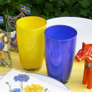 2 Biergläser in blau und gelb