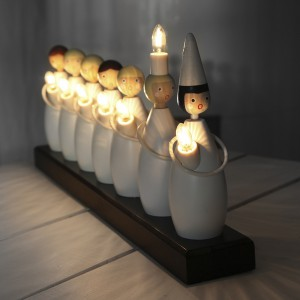 Schwedische Adventsbeleuchtung Lucia Festzug aus Holz