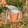 In Geschenkverpackung: Teelichthalter aus Holz mit Tannen