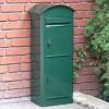 Schwedischer Standbriefkasten Safepost 80 mit Paketfach grün