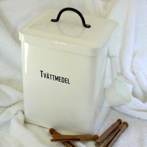Waschmitteldoppelbox schwedisch beschriftet mit Schaufel