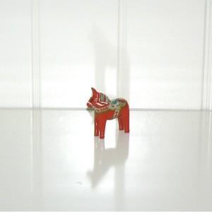 Niedliches Schwedenmitbringsel: Dalapferd 5cm rot