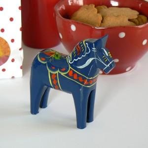 Dalapferd 10 cm blau, handgeschnitzt und handbemalt