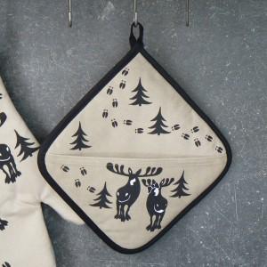Lustiger Topflappen Elchspur beige-schwarz mit Tasche aus Baumwolle