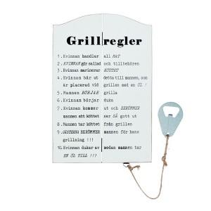"""Holztafel """"Grillregler"""" weiß mit schwedischem Text und Flaschenöffner"""
