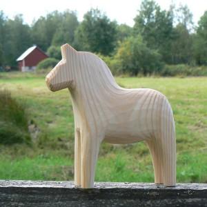 Unbemaltes Dalapferd 13cm handgeschnitzt – zum Bemalen