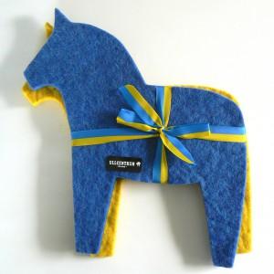 schwedische Wollfilz Untersetzer Dalapferd blau und gelb (2er Set)
