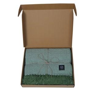 Baumwollplaid Waffelstruktur grün recycelt im Geschenkkarton
