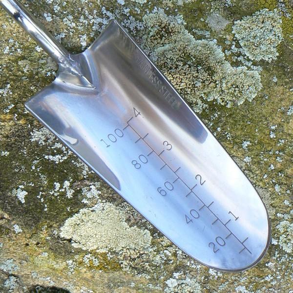 GardenGirl Pro Handschaufel mit Millimeter-Skala