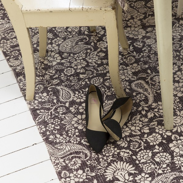 Teppich 160x230 cm mit Blumenmuster dunkelbraun beige aus Baumwolle gewebt