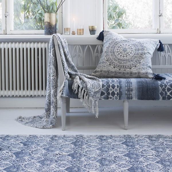 Den passenden Teppich können Sie separat bestellen