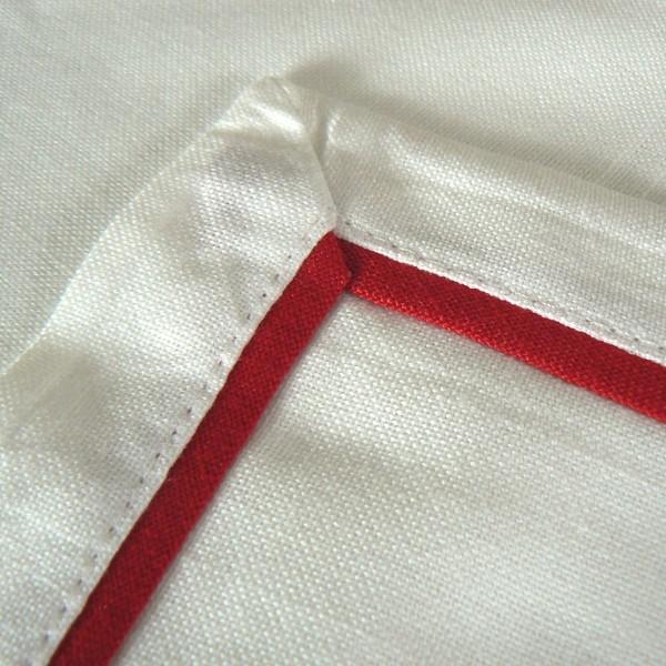 """Weißer Tischläufer """"God Jul"""" mit rotem Stofffalz 100 x 40 cm"""