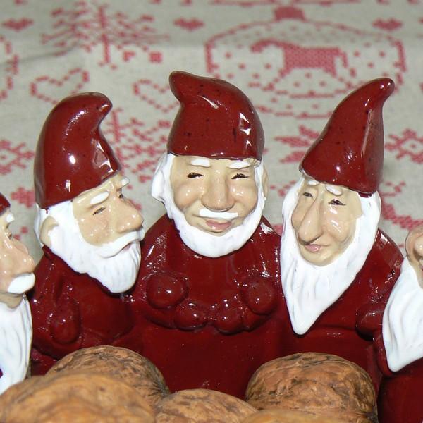 Harvesttime Schale Tomte-Kreis rot aus Keramik