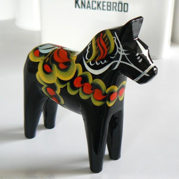 schwarzes Dalapferd 13 cm handbemalt