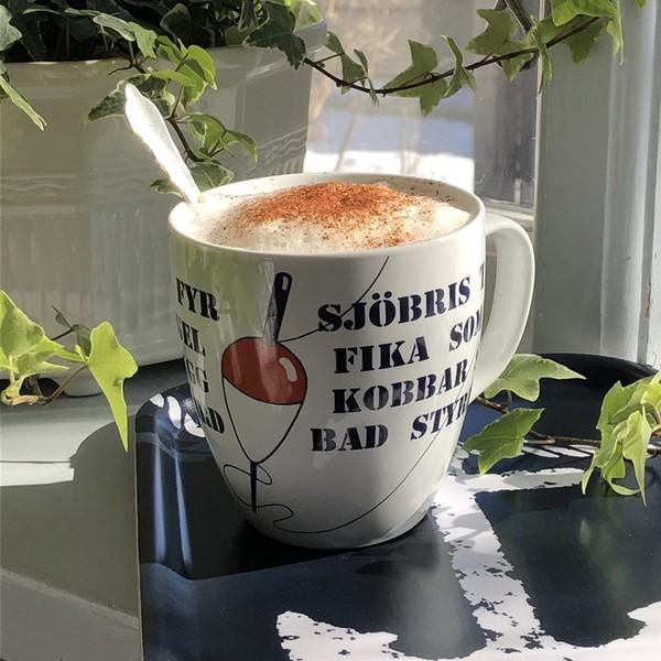 Großer maritimer Kaffeebecher aus Porzellan