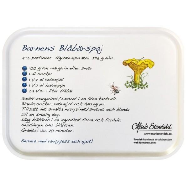 Rückseite des Tabletts mit Rezept für ein Blaubeerdessert