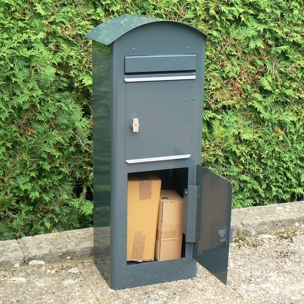 Schwedischer Paketbriefkasten Safepost 80: variable Aufnahmemenge durch verstellbaren Zwischenboden