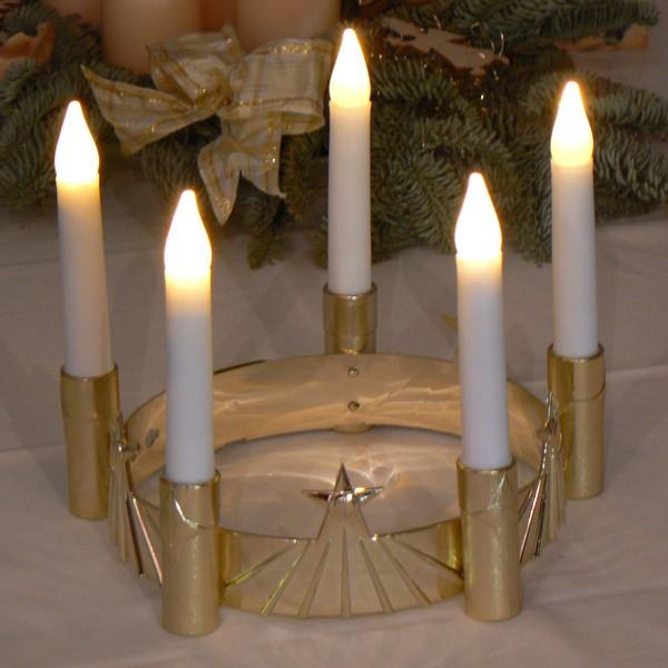 LED Luciakrone batteriebetrieben, Kunststoff gold mit weißen Kerzen