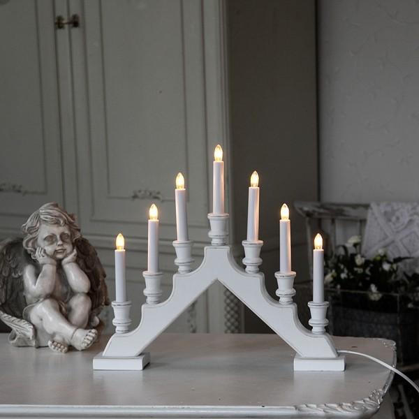 Schwedischer weißer Lichterbogen aus Holz im Shabby Stil