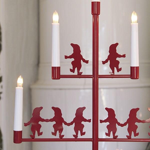 "Skandinavischer Fensterleuchter ""Nissepyramide"" 5-flammig rot aus Metall"