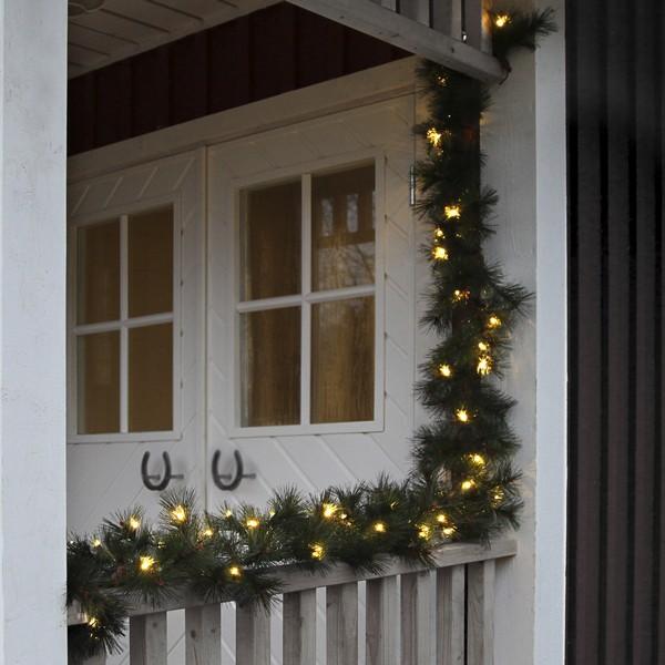 LED-Kieferngirlande 270 cm beleuchtet mit 40 warm white LEDs