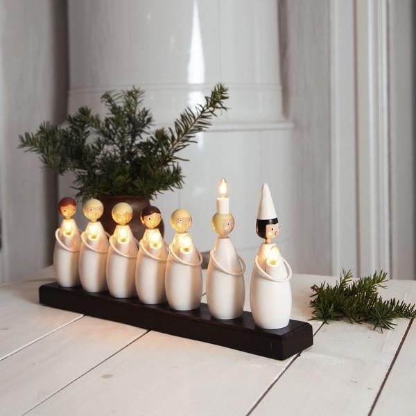 Schwedische Weihnachtsbeleuchtung Lucia Festzug