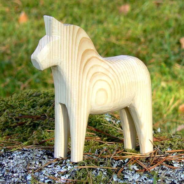 Unbemaltes Dalapferd 15 cm handgeschnitzt – zum Bemalen