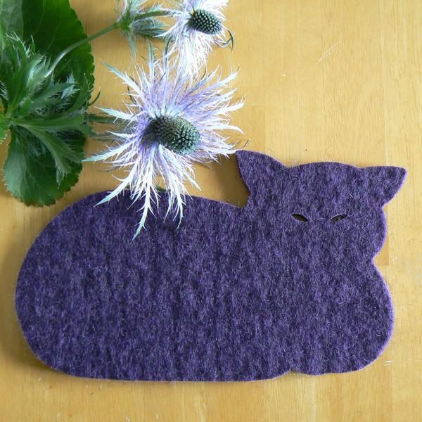 Dicker Topfuntersetzer Katze aus lila Wollfilz