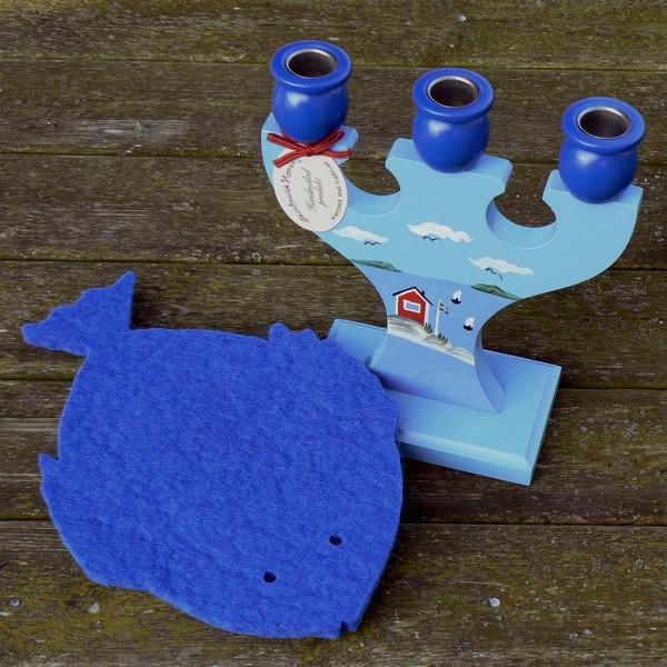 Dicker Topf-Untersetzer aus royal blauem Wollfilz in Fisch Form
