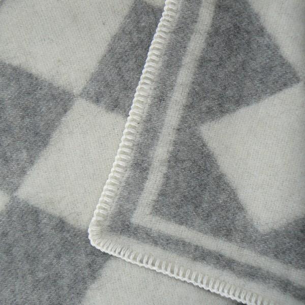 schwedisches Knieplaid / Schurwolldecke wollweiss-taupe