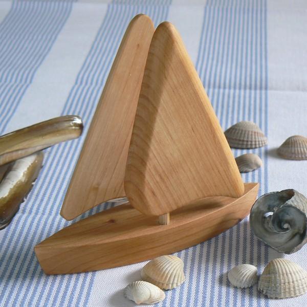 maritimer Servietten-Halter Segelboot aus Holz