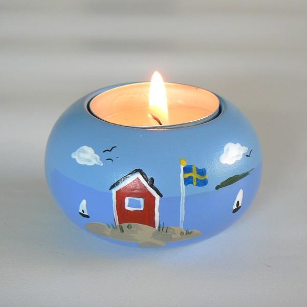Schwedischer Holzleuchter für ein Teelicht handbemalt