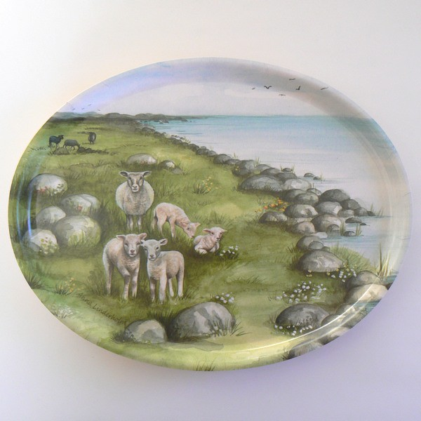 schwedisches Tablett oval 25 x 33 cm Schaf Wiese