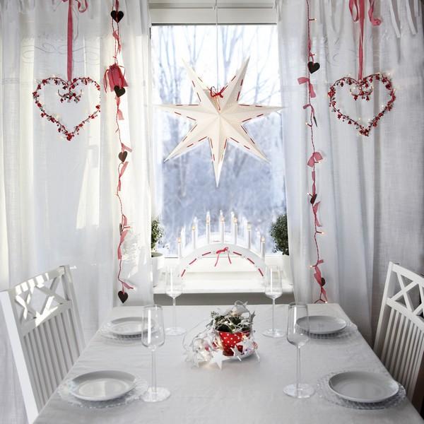 Skandinavische Weihnachtsdekoration mit der Serie Elvira