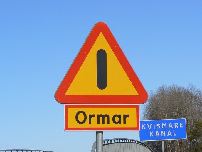 Schlangen Warnschild in Schweden